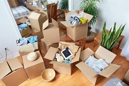 引っ越し準備途中の部屋