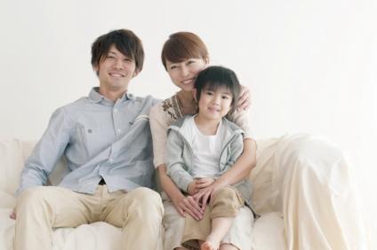 夫婦と小さい男の子