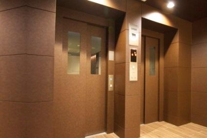 マンションのエレベーター