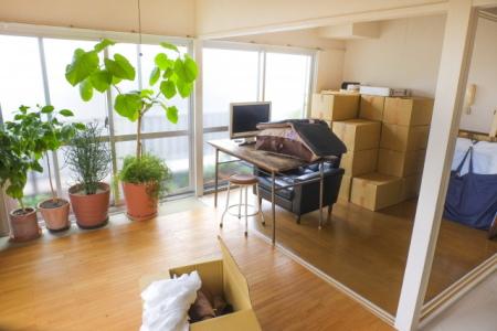 引っ越しで運び出す前の大型の家具